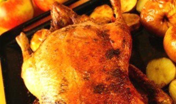 Простой Рецепт жареной утки с яблоками и сельдереем ...