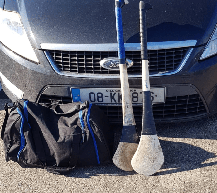 hurls weapons of choice