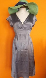 Vintage grijs glanzend jurkje Saint Tropez maat S/M,Goosvintage