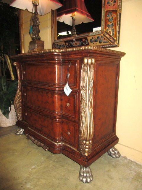 Collezione Europa Chest At The Missing Piece