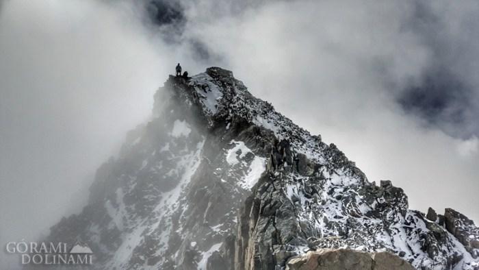 Grań szczytowa na Finsteraarhorn