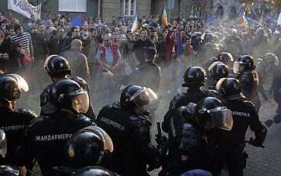 20071011032840nacionalni_stroj_novi_sad_antifasisticki_mars_davidovic_kamenice
