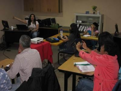 Aura Brito y participantes del Taller Community Management para todos