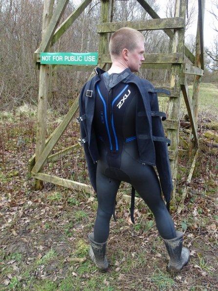 Wetsuit + straitjacket