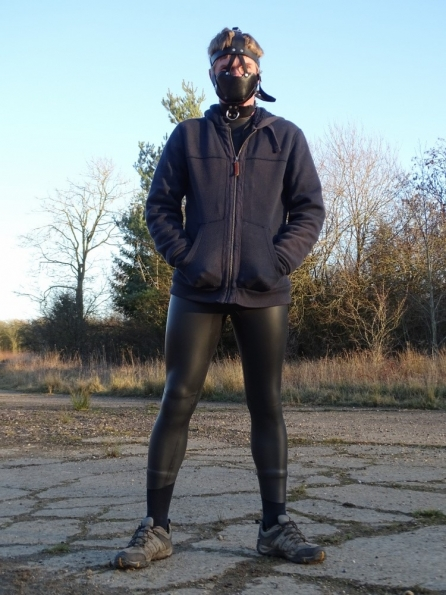 Wetsuit + Padded Leather Muzzle