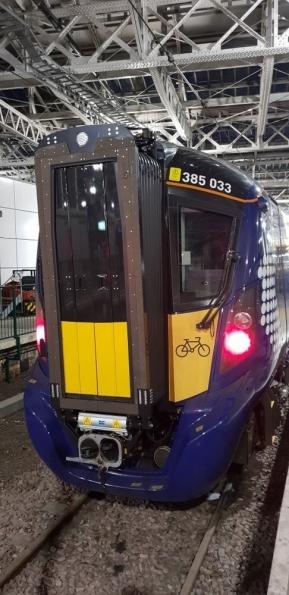 Class 385 at Edinburgh Waverley railway station