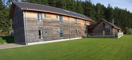 Struan Lodge side