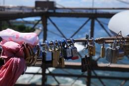 One bridge worker said that there was no urgency to cut locks off on the Brooklyn Bridge, shown here on August 23, 2016. (Gordon Donovan/Yahoo News)