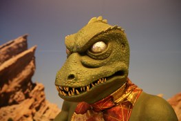 "The reptilian Captain Gorn from the episode ""Arena,"" in which Captain Kirk and Gorn vie with each other in ""trial by combat,"" a one-on-one battle to the death, with the ship of the losing captain to be destroyed and the other ship free to leave. (Photo: Gordon Donovan/Yahoo News)"