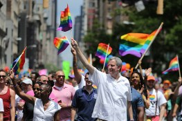 Mayor Bill de Blasio marches in the N.Y.C Pride Parade in New York on June 25, 2017. (Photo: Gordon Donovan/Yahoo News)