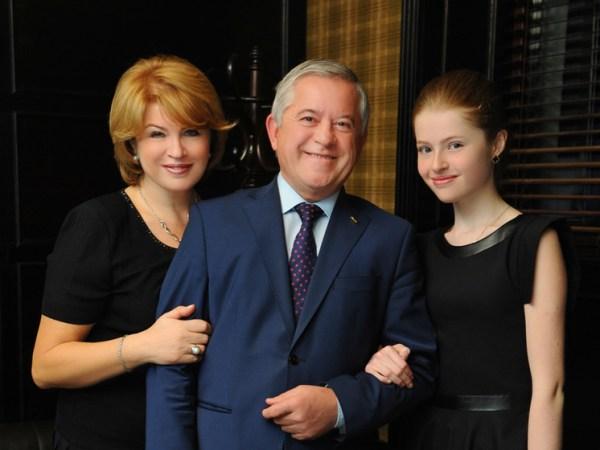 Марина Кинах Раньше с женой Порошенко общались но думаю