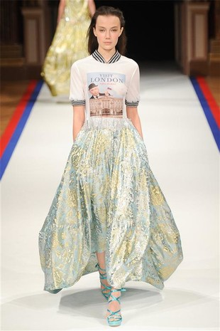 На Неделе моды в Париже немецкая марка Talbot Runhof ...