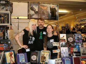 Donna Lynch, Arnzen, Jen Barnes at Horrorfind 08