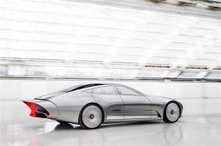 Mercedes-Benz-Concept-IIA_2015-Image-011-800