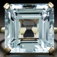 Gorgeous Vintage Aquamarine Solitaire Ring