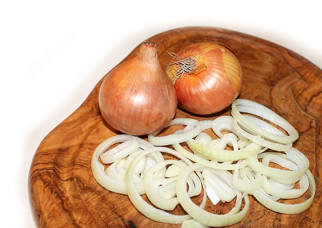 Frying Onions Without Oil