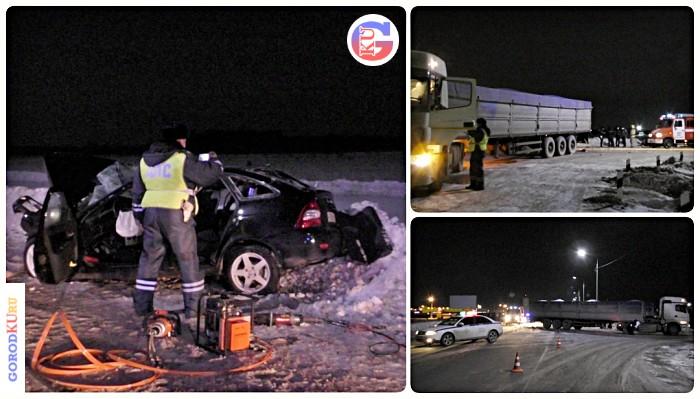 В Каменске-Уральском поздним вечером 28 января 2021 г. Lada с водителем и четырьмя пассажирами врезалась в КАМАЗ