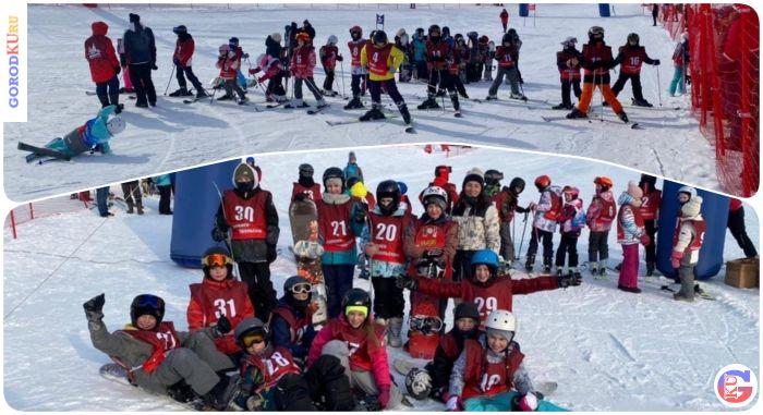 22 февраля состоялось  открытое первенство спортивной школы Каменска-Уральского по сноуборду и горным лыжам. 73 человека приняли участие