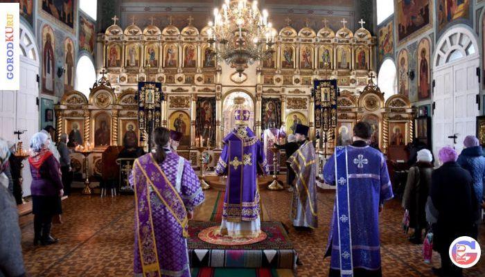 27 марта 2021 в Покровском храме с. Волково епископ Мефодий возглавил Литургию