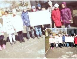 Коллективный плакат об экологии нарисовали школьники из Каменской гимназии
