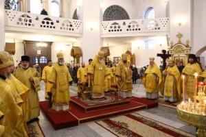 Служба в Воскресенском кафедральном соборе