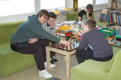 nie ma to jak szachy w bibliotece
