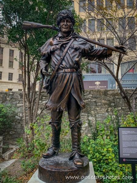 Davy Crockett Statue
