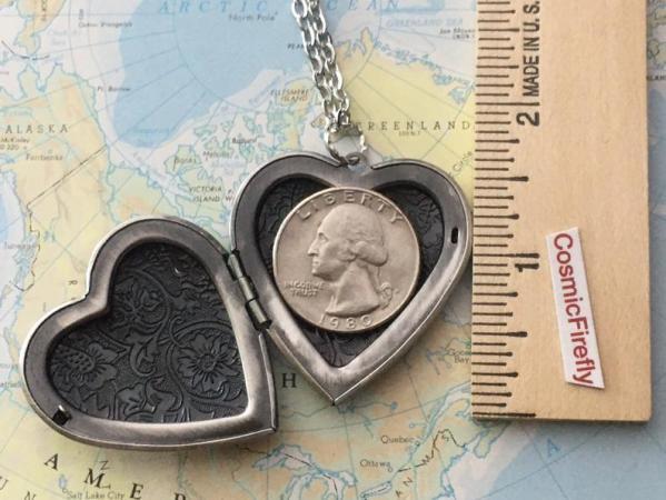 Steampunk Valentine's Heart Locket. open with coin