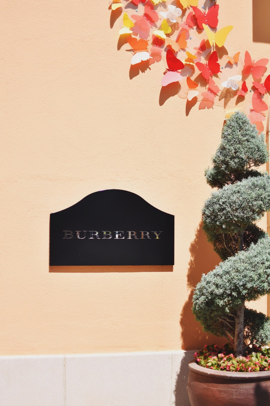 Burberry Outlet