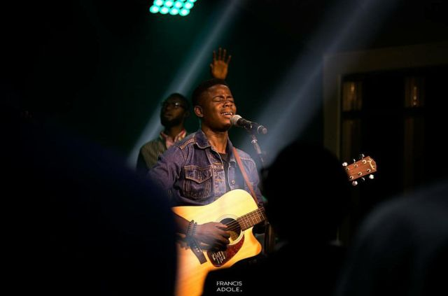 Folabi Nuel -Satisfied Lyrics