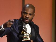 """Kirk Franklin Surprised With A Gold Plaque For His Hit Song """"Love Theory"""" At The Stellas Award"""