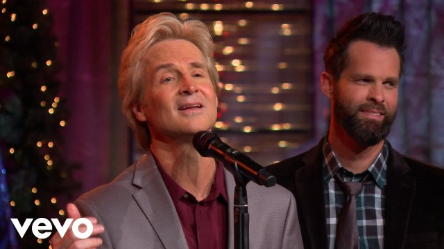 Gaither Vocal Band - The Manger And The Cross