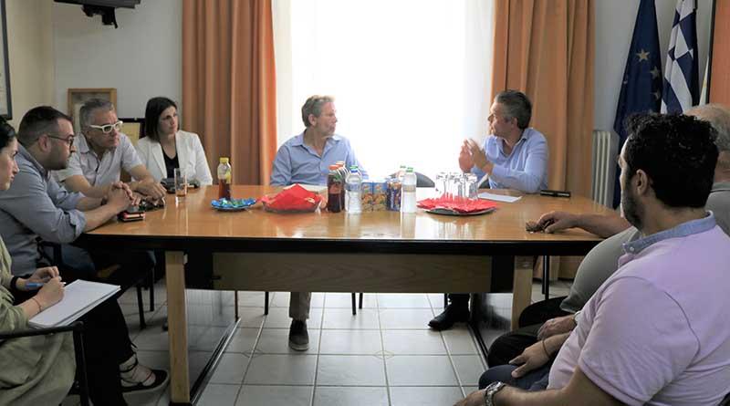 Συνάντηση εκπροσώπων του Επιμελητηρίου Πρέβεζας με τον τέως Υπουργό Πολιτισμού και Τουρισμού κ. Παύλο Γερουλάνο