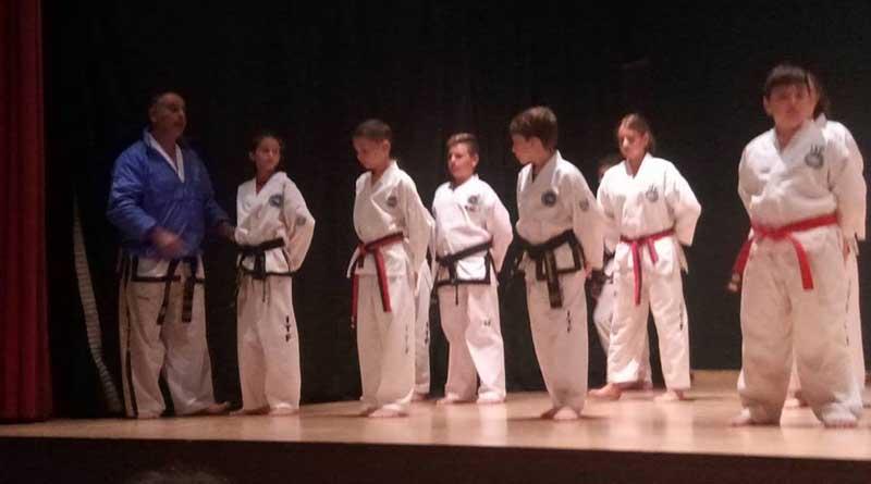 """Εντυπωσίασε ο αθλητικός σύλλογος Taekwondo Ευκλέας στην τελετή λήξης του """"6ου Πανελληνίου Φεστιβάλ Κωφοί και Ακούοντες Εν Δράσει"""""""