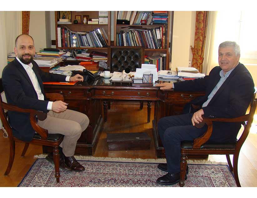 Συνάντηση  του Υφυπουργού Εργασίας Κωνσταντίνου Μπάρκα με  τον Δήμαρχο Πρέβεζας Χρήστο Μπαϊλη.