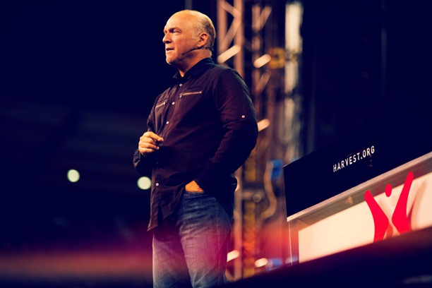 GREG LAURIE SET TO MOUNT PULPIT AFTER COVID-19 TEST
