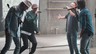 CHRIS TOMLIN PERFORMS ON TODAY SHOW
