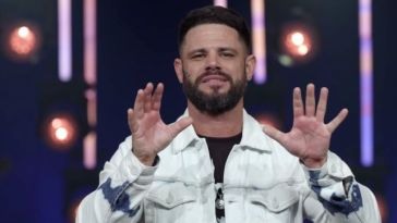 STEVEN FURTICK REPLACES KENNETH COPELAND ON TBN