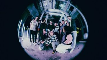 HILLSONG YOUNG & FREE- 'GET TO THE DEN'