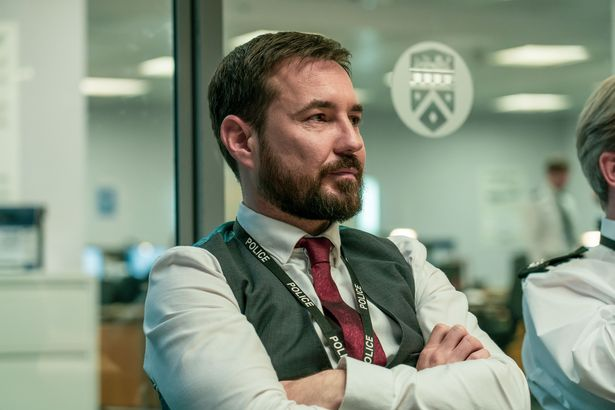 What will happen to Compston's character DI Steve Arnott in the finale?