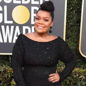 rs_600x600-190106143501-600-yvette-nicole-brown-2019-golden_globes-red-carpet-fashions.ct_.010619.jpg