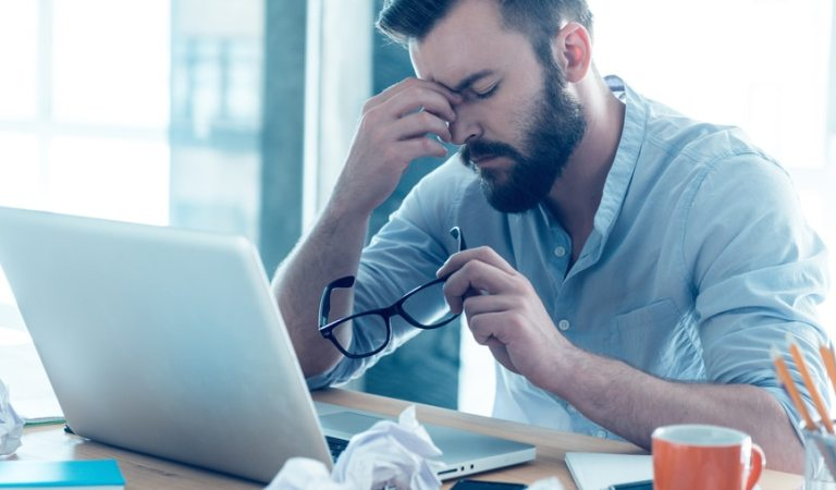 10 знаци дека сте уморни од сѐ