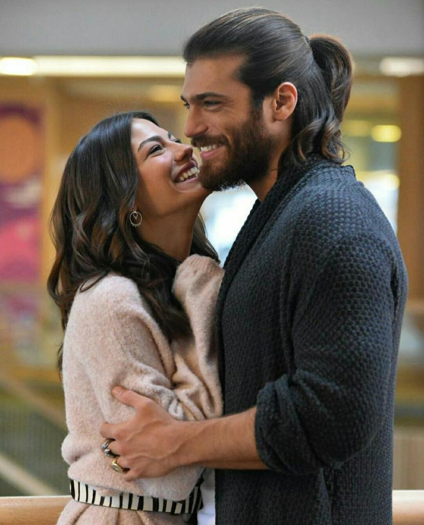 Can Yaman is getting close with the family of Demet Ozdemir