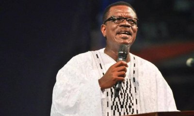 Taking selfies in Aeroplanes shows your capacity is low – Pastor Mensa Otabil 11