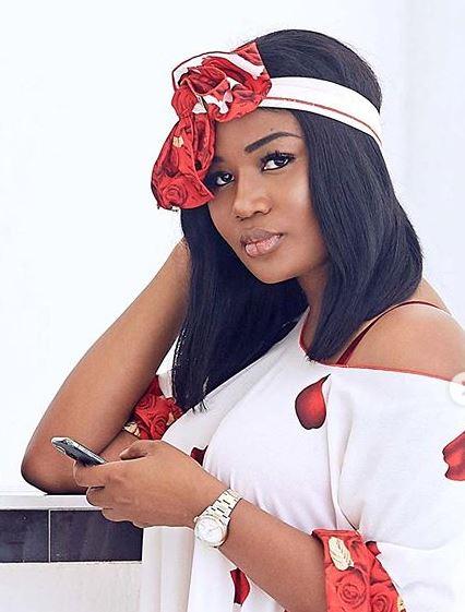 Popular slay queen, Mona exposes Jackie Appiah, Sandra Ankobiah, Nana Aba Anamoah, and other slay queens in Ghana (video) 1