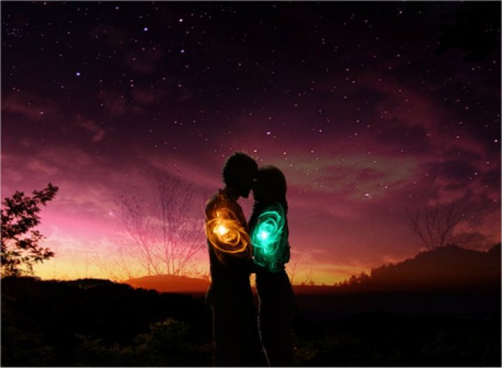 How to Tell if a Relationship is Karmic, Soulmate or Twin Flame