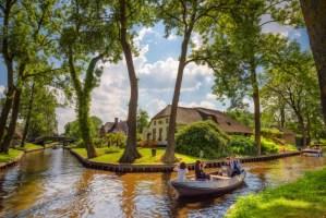 Село без улици ќе ве одведе во најубавата холандска бајка