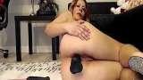 Coroa gostosa fazendo masturbação anal na webcam