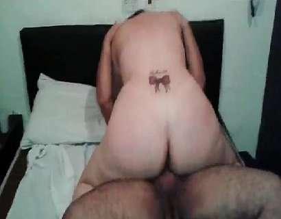 Esposa rabuda fodendo com seu amante comedor