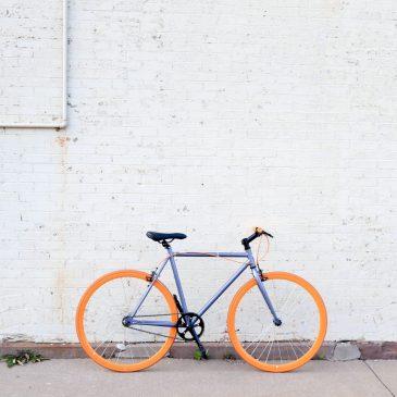 單車新手必學技能-八招停放你的公路車
